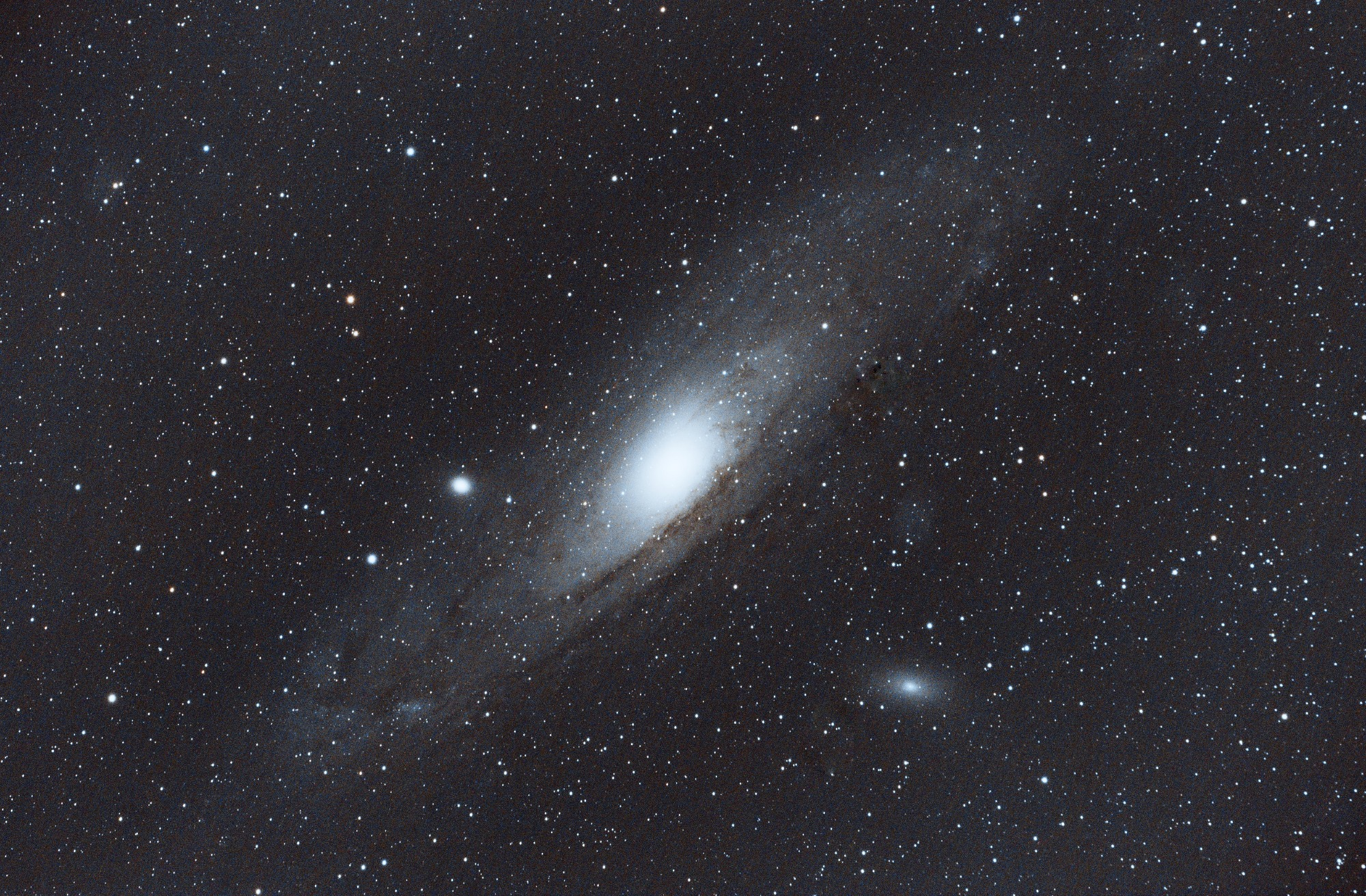 M31_Andromeda_light_FILTER_OSC_BINNING_1_integration_ABE_ABE-healed-2.jpg